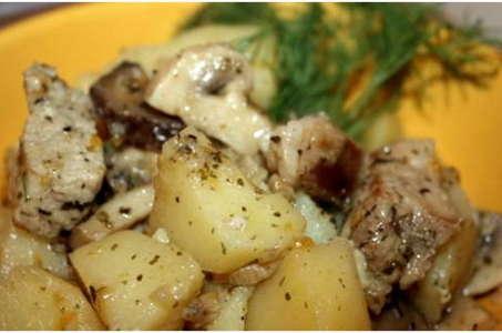 Рецепт аппетитного картофеля с грибами в мультиварке Редмонд