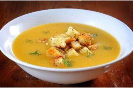 Вкусный гороховый суп, приготовленный в мультиварке с мясом курицы