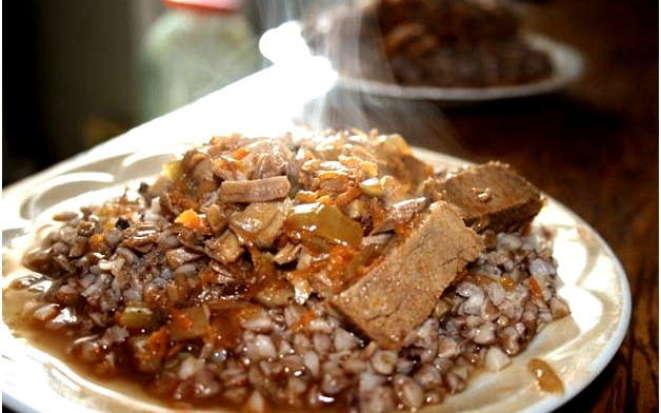Рецепт приготовления аппетитной гречки с мясом в мультиварке Поларис
