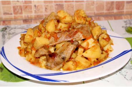 Свиные ребрышки с тушеной картошкой в мультиварке — блюдо на все времена