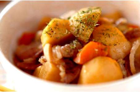 Прекрасный рецепт приготовления тушеной картошки с мясом в мультиварке