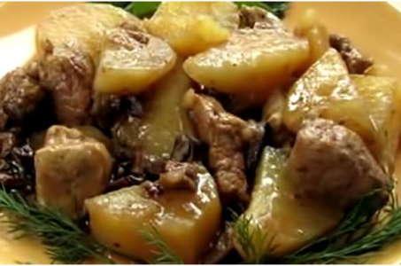 Рецепт тушеной картошки мяса и грибов в мультиварке