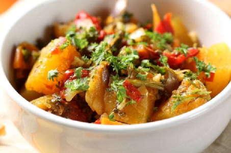 Легкий ужин в мультиварке: овощное рагу с баклажанами