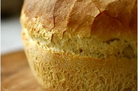 Домашний белый хлеб в незаменимой кухонной помощнице — мультиварке