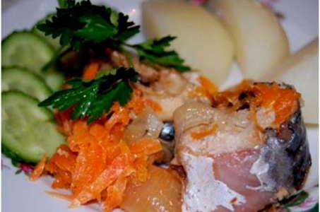 Как приготовить вкусную тушеную скумбрию с овощами в мультиварке