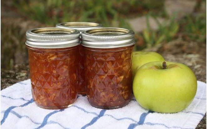 Яблочное повидло, сваренное в мультиварке — консервация теперь не отнимает много сил