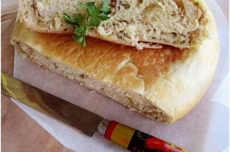 Пышный пирог из дрожжевого теста с сытной начинкой в мультиварке