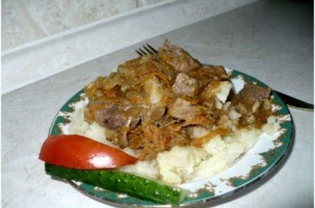 Рецепт вкуснейшего гуляша из говядины, приготовленного в мультиварке Редмонд
