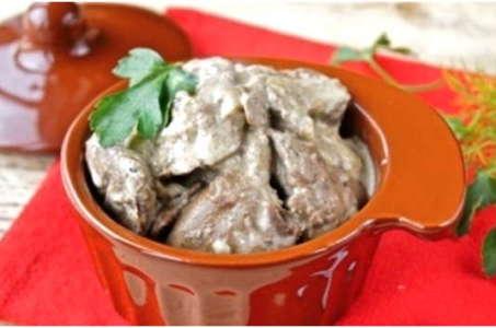 Секрет приготовления аппетитной куриной печени в сметане в мультиварке Редмонд