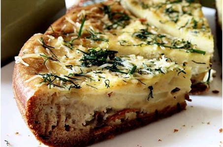 Сытный пирог с картошкой и грибами в мультиварке на скорую руку