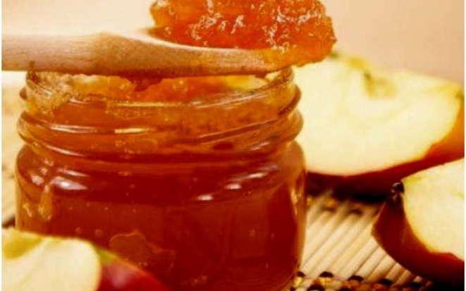 Универсальное угощение — яблочный ароматный джем в мультиварке