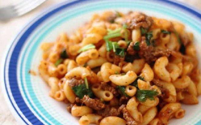 Рецепт вкусных макарон с мясом и овощами в мультиварке