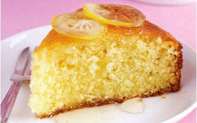 Нежный пирог из бисквитного теста с лимоном в мультиварке