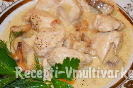 Рецепт курицы в сливках с картофелем и грибами в мультиварке