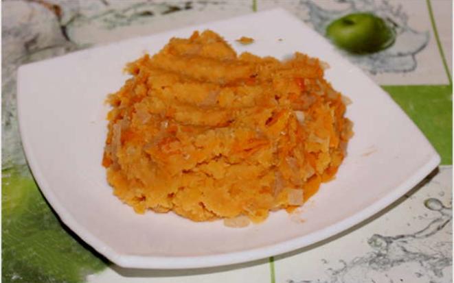 Гарнир с насыщенным вкусом: красная чечевица с овощами в мультиварке
