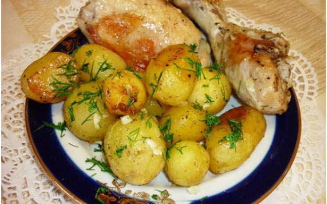 Рецепт молодого картофеляпо-деревенски в мультиварке