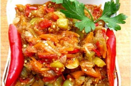 Сочное и ароматное соте из баклажанов и других овощей в мультиварке