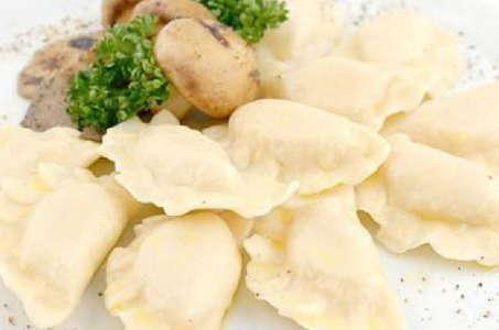 Рецепт простых и вкусных вареников в мультиварке