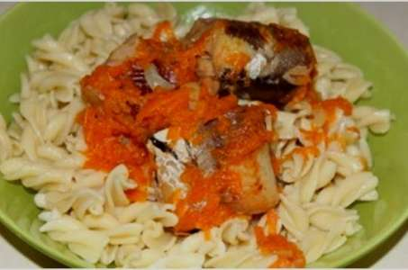 Простой рецепт вкусной тушеной рыбы с овощами в мультиварке