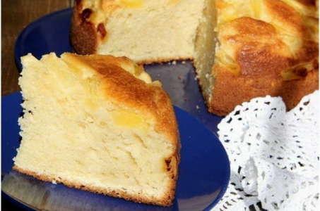 Способ приготовления нежного пирога с творогом в мультиварке Редмонд