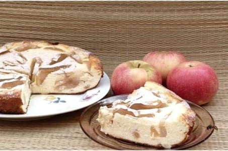 Рецепт воздушной творожной запеканки с манкой и яблоками в мультиварке Поларис