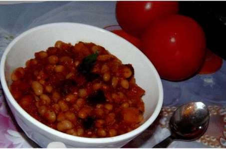 Нежная фасоль с сезонными овощами, приготовленная в мультиварке