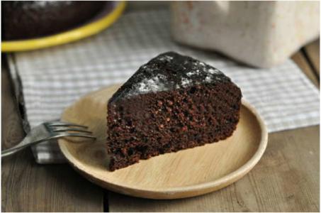 Приготовление фантастического шоколадного пирога в мультиварке