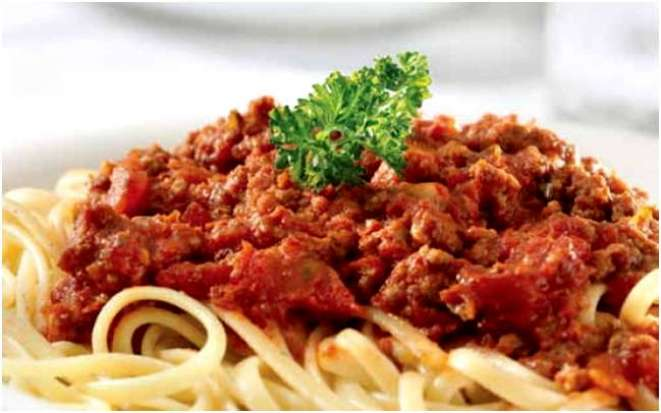 Классическая итальянская паста болоньезе легко готовится в мультиварке