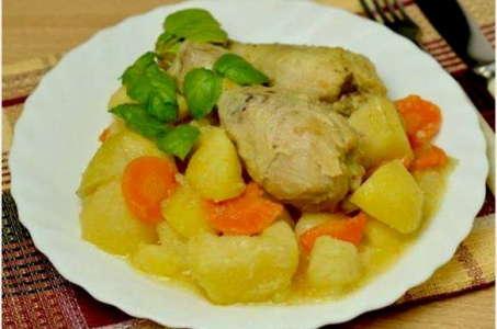 Замечательный рецепт картошки с курицей в мультиварке Поларис