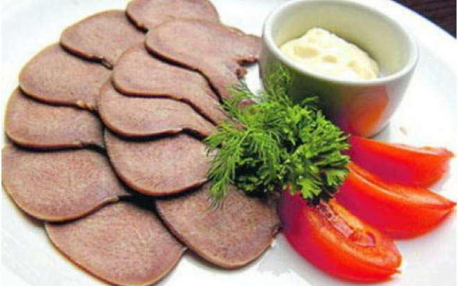 Готовим в мультиварке деликатес – свиной язык