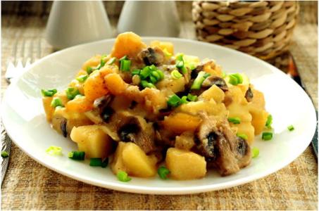 Невероятно вкусный рецепт картошки с грибами и сливочным соусом в мультиварке