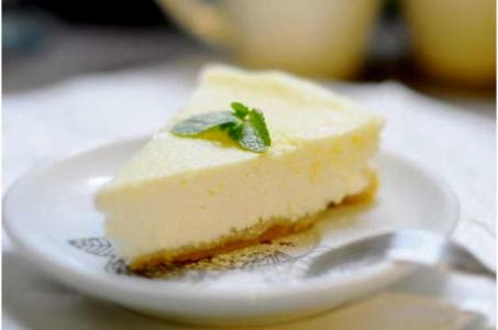 Приобщаемся к легендарным западным десертам с творожным чизкейком из мультиварки