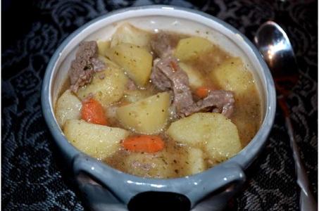 Как приготовить жаркое из говядины с картошкой в мультиварке