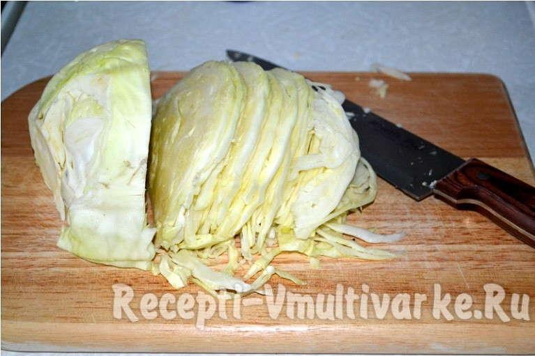 мелко нашинковать капусту