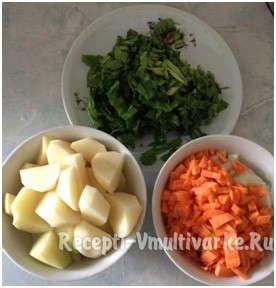 мелко нарезать морковь, картофель и зелень
