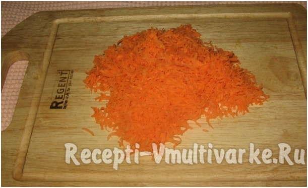 почистить и натереть морковь