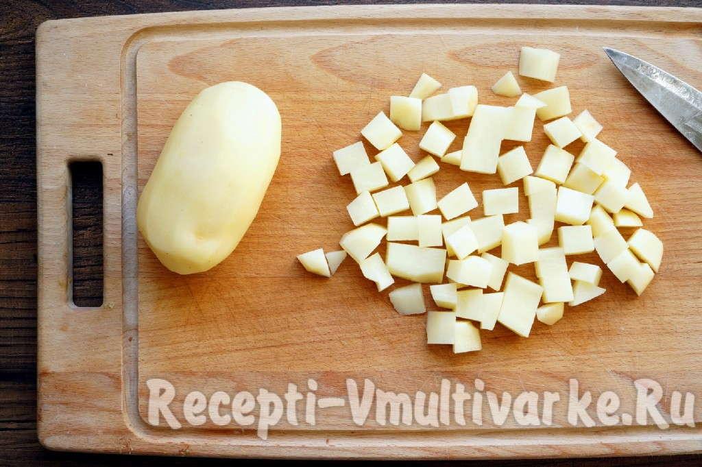 помыть и нарезать картофель