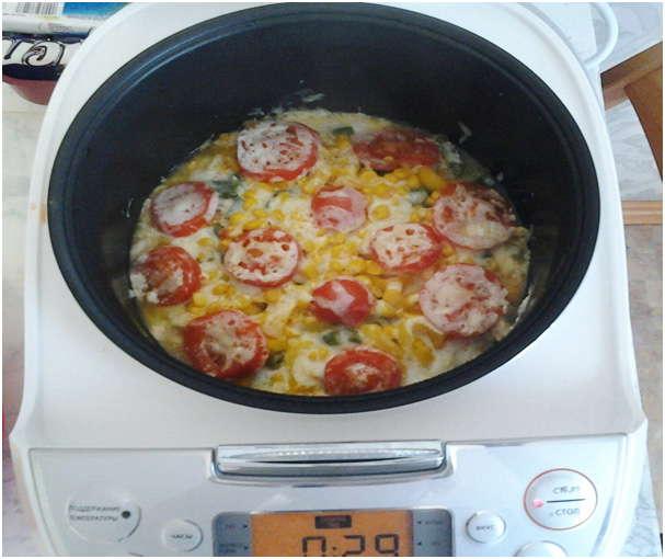нарезать помидоры кружочками