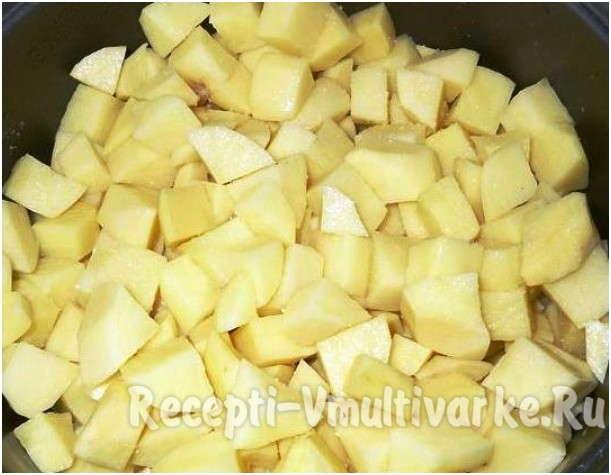 поистить и мелко нарезать картофель