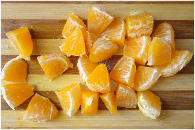 почистить и нарезать апельсин
