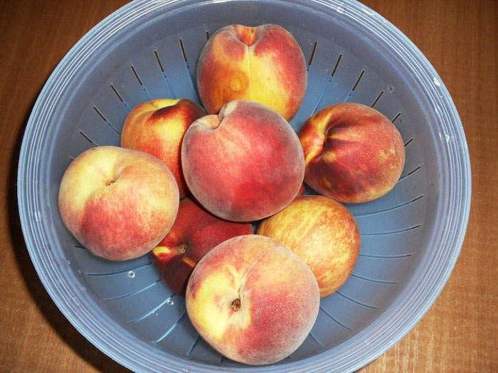 взять фрукты