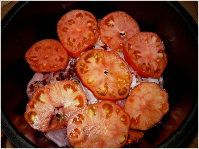 добавить томаты