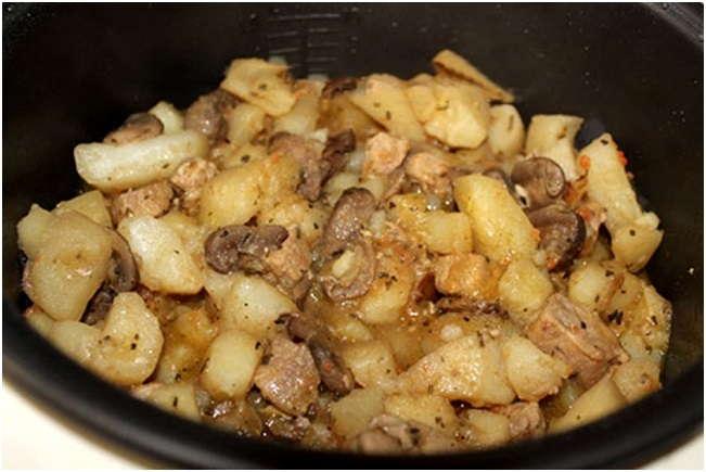 Тушеная картошка с грибами и курицей пошаговый рецепт с