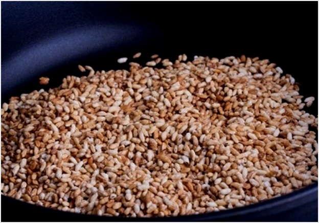обжарить зерна