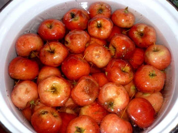 вымыть плоды