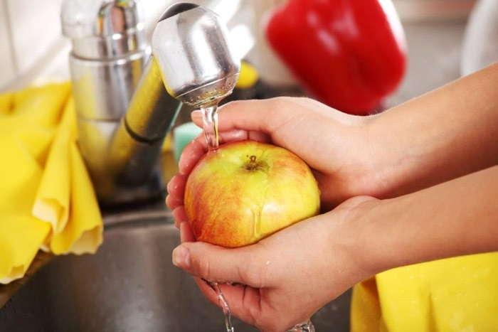 промыть плоды