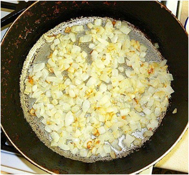 нарезать луковицу